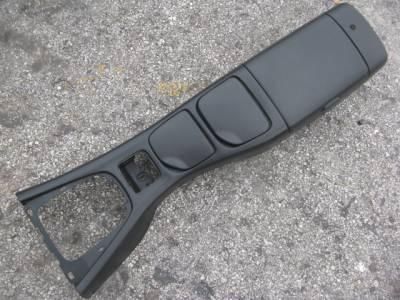 '01 - '05 Black Center Console - Image 1