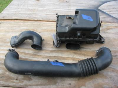 '99 - '00 1.8 Miata Intake/Cleaner Assembly