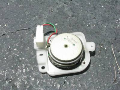 '99-'05 Driver side Bose Tweeter - Image 2