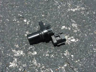 Miata 99-05 - Electrical, Engine and Body - Used Camshaft Position Sensor '99 - '05 - Free Shipping