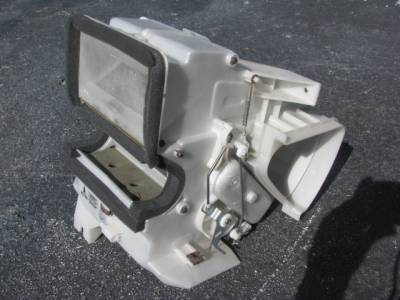 Miata 99-05 - Body, Internal Inc. Seats, Dash, AC, Tops - '99-'05 Miata Heater Core with Housing