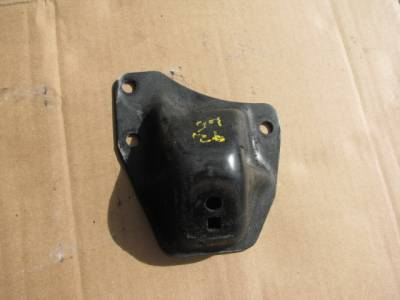 Miata 90-97 - Engine & Accessory Components - '90-'93 Engine Mount Bracket (Driver )
