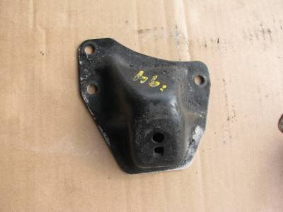 Miata 99-05 - Engine & Accessory Components - '94-'00 Engine Mount Bracket (Driver)
