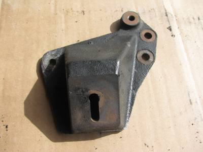 Miata 90-97 - Engine & Accessory Components - '94-'97 Engine Mount Bracket (Passenger)