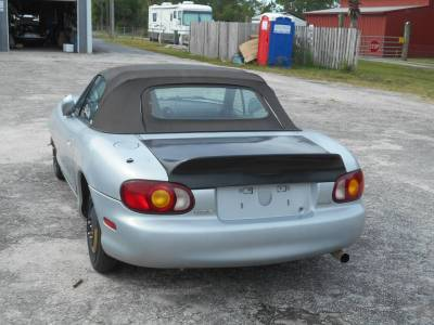 New for 2016! Brand New Ligthtweight Fiberglass Ducktail Trunk for NB '99 - '05 Miata