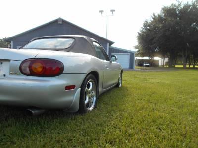 1999 Silver Mazda Miata - Image 5