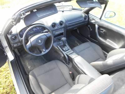 1999 Silver Mazda Miata - Image 7