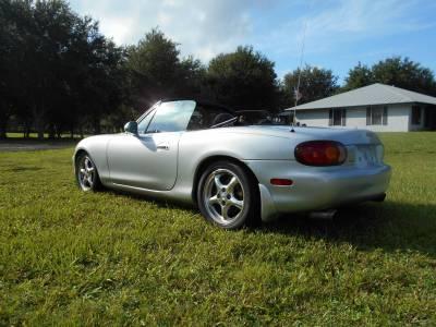 1999 Silver Mazda Miata - Image 13