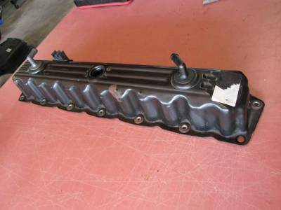 Used 1997 - 2006 TJ Jeep Parts - Engine & Accessory Components - 97-06 Jeep Wrangler 4.0 valve cover