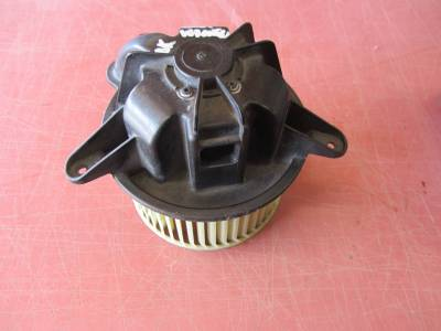 Used 1997 - 2006 TJ Jeep Parts - Body, Internal inc. Seats, Dash, A/C & Tops - 01 Jeep Wrangler AC blower motor