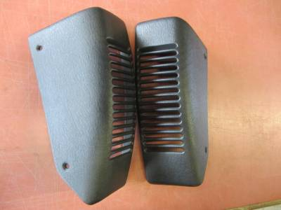 97-06 Jeep Wrangler black dash speaker covers (set) - Image 3