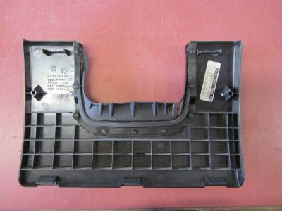 Used 1997 - 2006 TJ Jeep Parts - Body, Internal inc. Seats, Dash, A/C & Tops - 01-06 Jeep Wrangler black dash knee panel