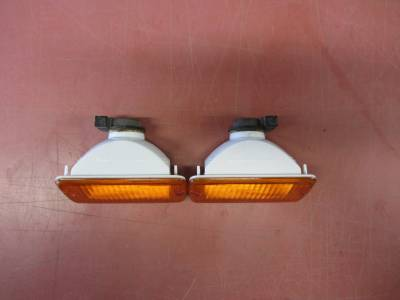 Used 1997 - 2006 TJ Jeep Parts - Body, external inc.lighting - 97-06 Jeep Wrangler TJ front turn signals (set)