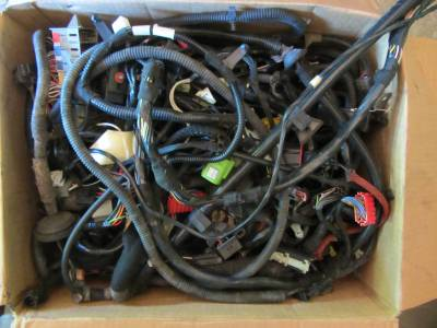 Used 1997 - 2006 TJ Jeep Parts - Electrical, Engine & Body - 1999 Jeep Wrangler 4.0 manual complete wire harness