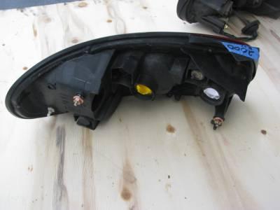 NB ('99-'00) Passenger Side Tail Light - Image 2