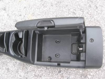 '01 - '05 Black Center Console