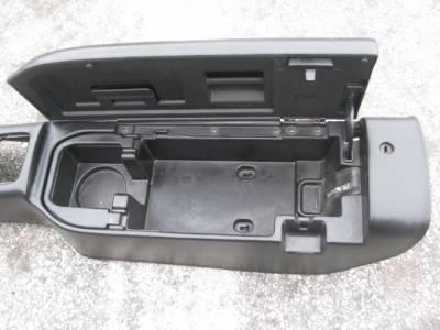 99-00 Black Center Console, hinge is broken - Image 2