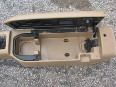 99-00 Center Console, Tan with broken hinge. - Image 2
