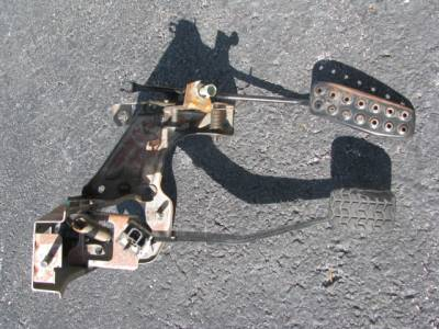 Gas/Brake Pedal Assembly 90-05 - Image 1