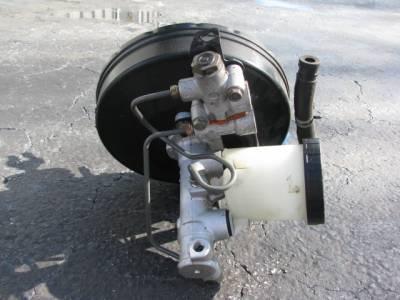 Brake Master Cylinder and Booster '99-'00 - Image 3
