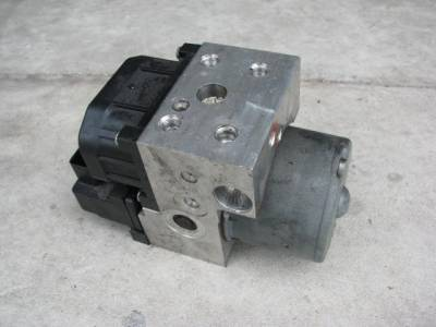 Miata 99-05 - Suspension, Chassis, Steering, Brakes - '99-'00 ABS Unit