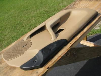 Miata '99-'00 Tan Bose Door panel, Driver - Image 2