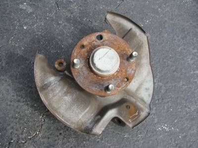 NA 1.8 Front Hub With Spindle '94 - '97