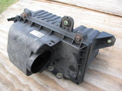 Miata 90-97 - Engine & Accessory Components - '94-'97 Air Box/Cleaner Assembly
