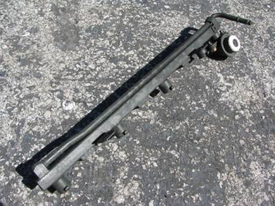 Miata 99-05 - Engine & Accessory Components - 1.8 Fuel Rail '01-'05